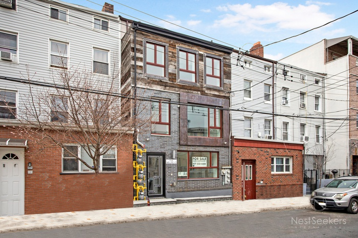 LIC/Astoria Brand New 3 Family Townhouse, 6 Bed/6Bath
